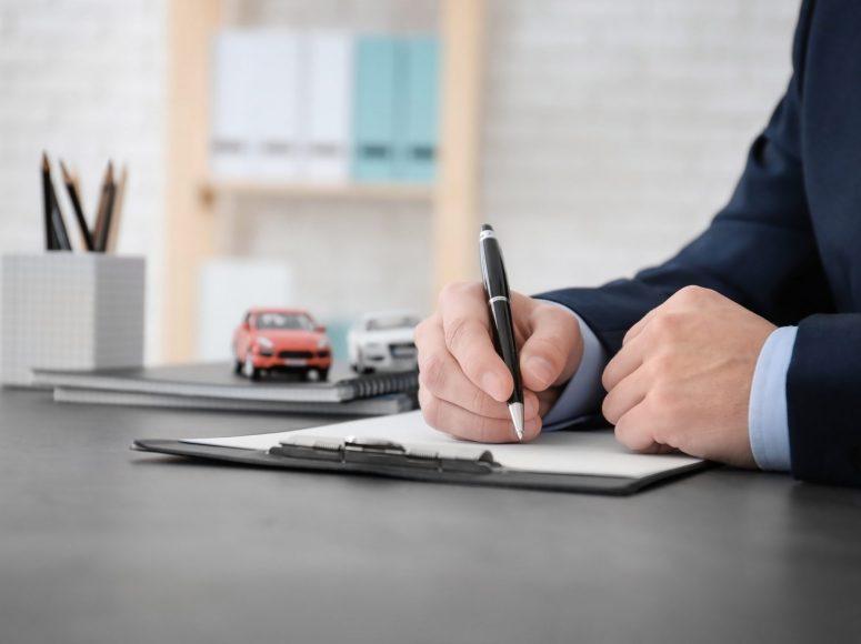 Mercedes Financieren